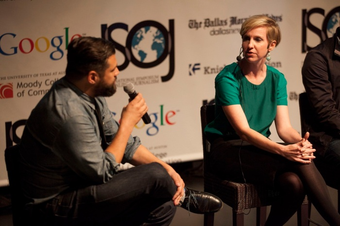 Michael Maness and Emily Ramshaw at the 2014 ISOJ, discussing The Texas Tribune's business model (photo by Gabriel Cristóver Pérez/Knight Center; used under Creative Commons license 2.0)