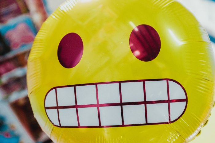 Emoji balloon